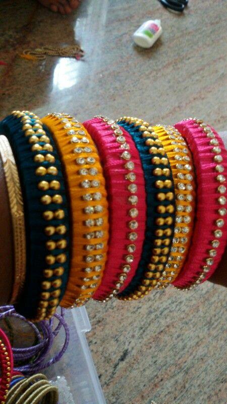 I make thread bangles