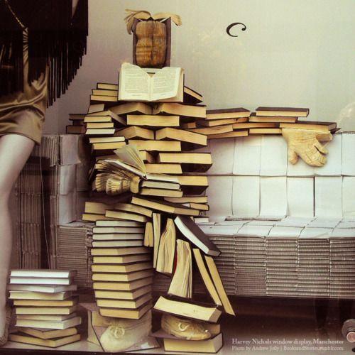 Qui a dit que les lecteurs n'avaient pas d'humour ? Aves des livres, on peut aussi faire de l'art #mysunsdayslibrary