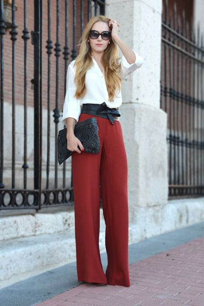 She means business.    Pants & Blouse - ZARA, Belt - ASOS, Bag - MANGO, Sunglasses - MARC JACOBS