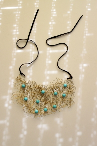 wiry necklace