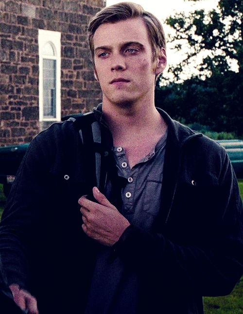 Jake Abel in I am number 4
