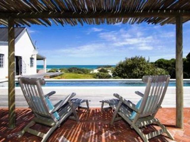 3 bedroom House for sale in Kommetjie for R 19500000 with web reference 101094563 - Jawitz False Bay/Noordhoek