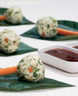 Steamed Paneer Dumplings with Spicy Sauce ( Healthy Starter Recipe )