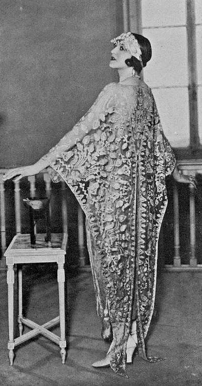 1923 Edward Molyneux - 1920's Fashion