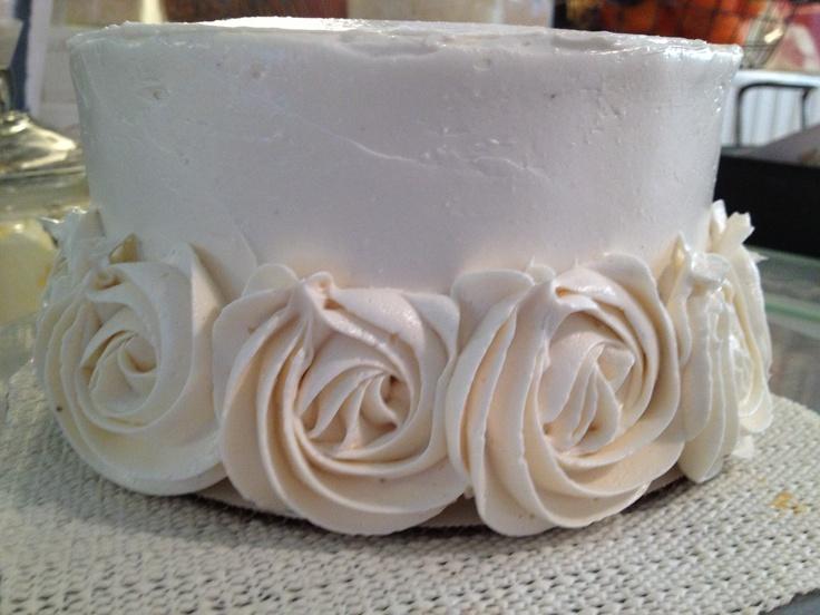 Rose buttercream  www.boucheegourmet.com