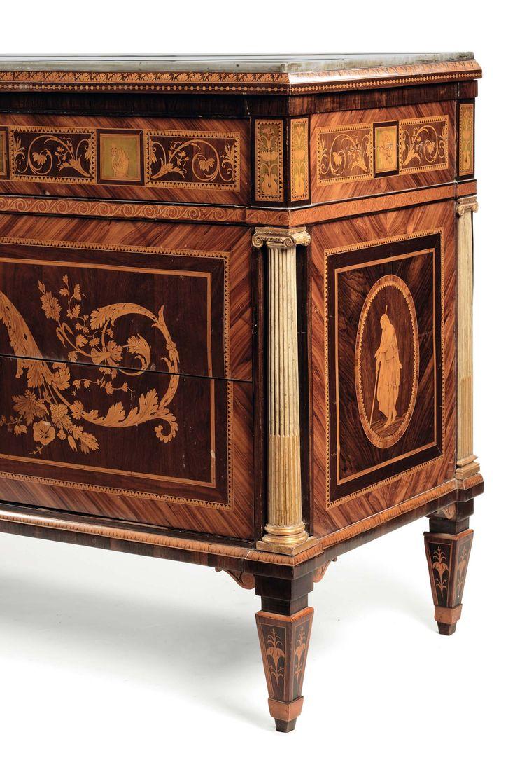 Coppia di cassettoni a tre cassetti, e coppia di comodini en suite attribuiti a Giuseppe Maggiolini, Lombardia fine XVIII secolo.