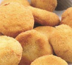 Nuggets di Pollo     Ingredienti per 1 vasetto da 20 nuggets:   200 gr di petto di pollo, senza pelle e tagliato a tocchetti, 1/2 cucchiain...