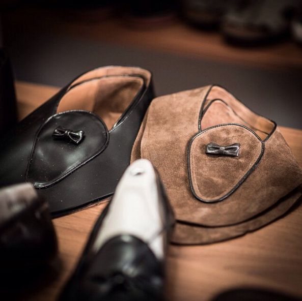 """""""A man who works with his hands is a laborer; a man who works with his hands and his brain is a craftsman; but a man who works with his hands and his brain and his heart is an artist."""" Louis Nizer  #velascamilano #madeinitaly #shoes #shoesoftheday #shoesph #shoestagram #shoe #fashionable #mensfashion #menswear #gentlemen #mensshoes #shoegame #style #fashion #dapper #men #shoesforsale #shoesaddict #sprezzatura #dappermen #craftsmanship #handmade #velascadudes #thebespokedudes #tassel"""