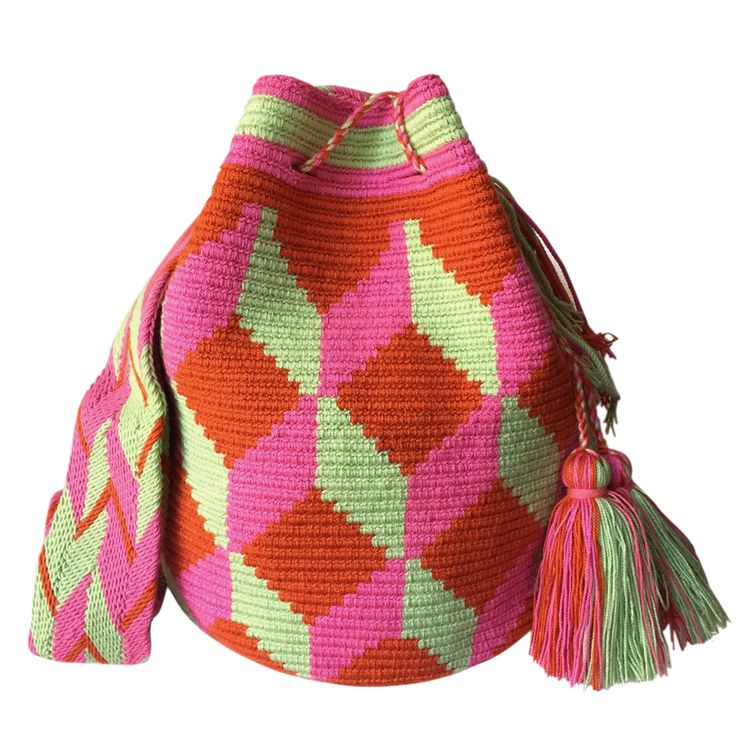 This classic double-thread large mochila bag is your go to bag for the summer, beach, and festivals. You can't have just one!Now, you are guaranteed that everyone will notice your bohochic vibes!This beautiful, one-of-a-kind bag was carefully made using a double thread technique for the body. It has a traditional double thread strap and drawstring.