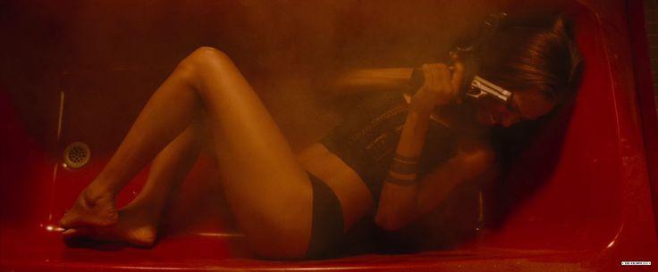 Zoe Saldana's Legs | Zeman Celeb Legs