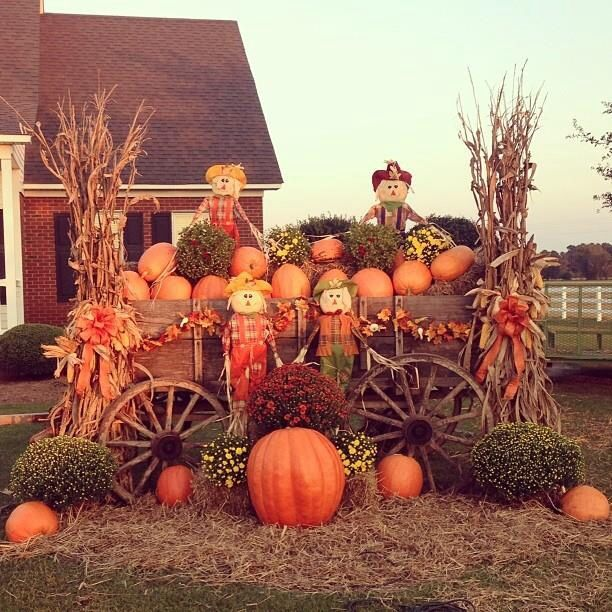 fall wagon decor - Harvest Decorations