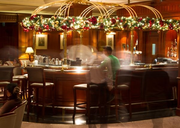 Ornate and understated #Christmas decorations at Melia White House, London | http://www.simplyhoteljobs.com/recruiters/melia-white-house #hotels