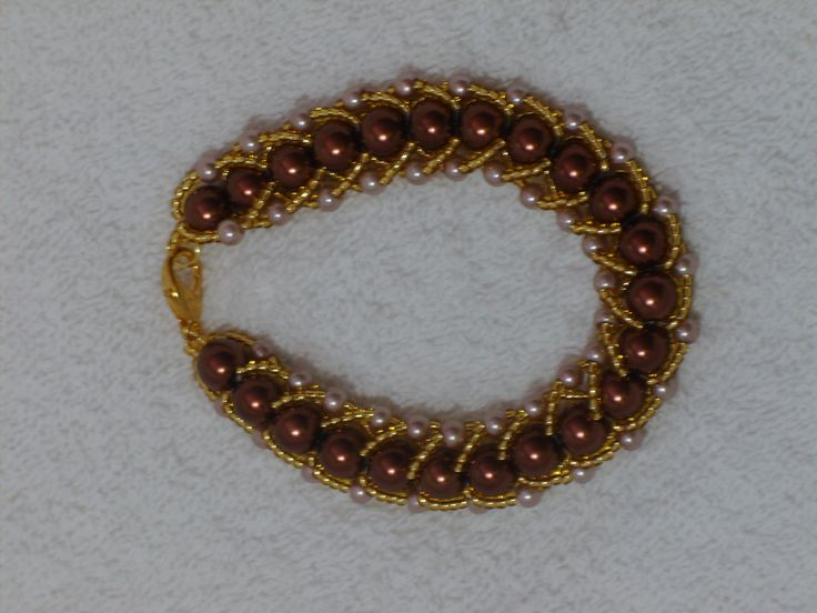 Bracelet with pearls and seed beads.