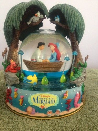 Disney Little Mermaid Kiss The Girl Musical Water Globe | eBay