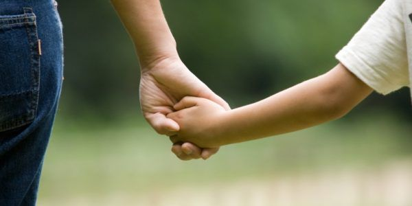 Ibu adalah dunia pertama bagi anak-anaknya. Betapa besarnya jasa seorang ibu…