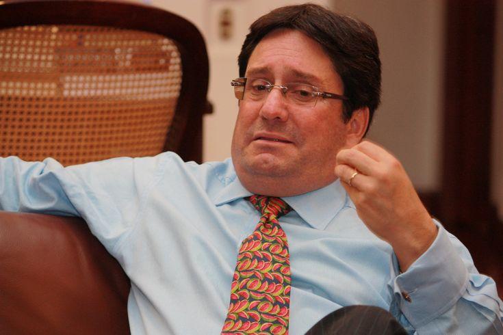 En esta entrevista con Ricardo Angoso destapa las cartas de lo que será la campaña del Uribismo para conquistar la Alcaldía de Bogotá