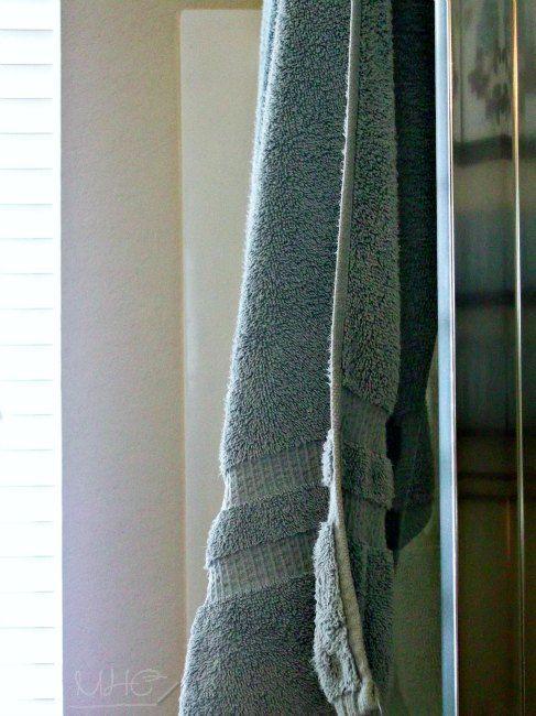 Make Your Towels Smell Fresh Again / www.mrshinesclass.com