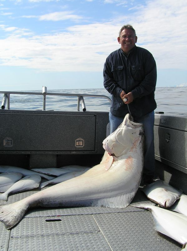 Die besten 25 halibut fishing ideen auf pinterest for Alaska halibut fishing season