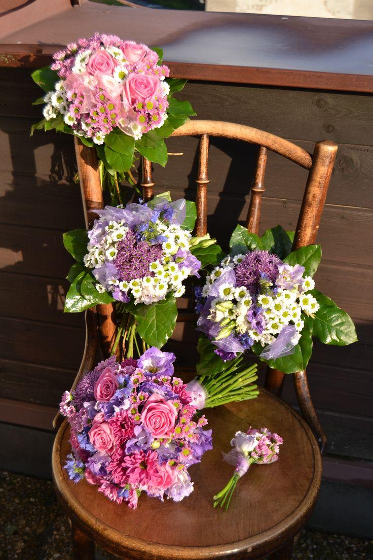 Svatební kytice, maminky, svědkyně