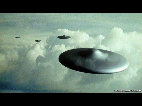 UFO over Cambridge England   UFO Sightings 2016   UFO caught on tape rea...
