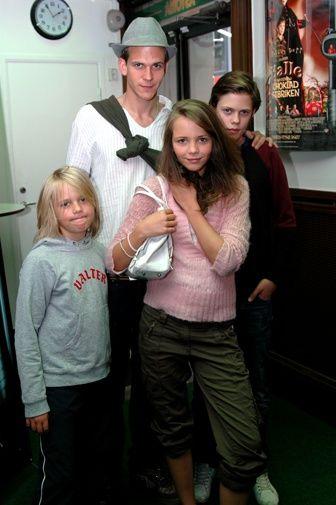Essential Film Stars, Gustaf Skarsgård http://gay-themed-films.com/film-stars-gustaf-skarsgard/