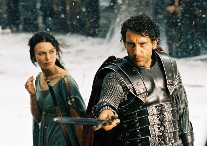 Keira Knightley y Clive Owen en King Arthur