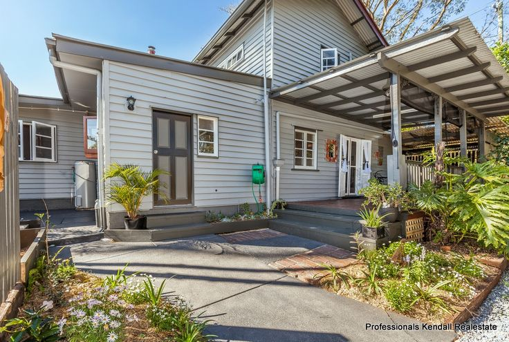 "Short Term Rental - Soak up the beauty, tranquility of Tamborine Mountain while relaxing at ""Long Road Cottage"". stroll to Gallery Walk and ideally located: only minutes from local wineries, cafés and shops, this 1930s cottage with a French influence features a large lounge room, dining area with fireplace, 2 bedrooms, study, outdoor entertaining area and therapeutic spa. #romantic #accommodation #houses #wedding #holiday #Australia"