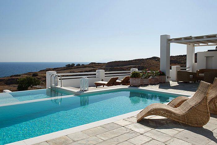 Tramountana, Santorini | Luxury Retreats