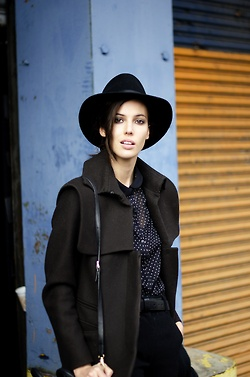 streetstyled:    Ruby Aldridge street style look in New York City.