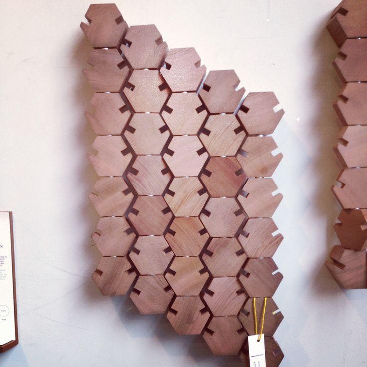 Dutch Design Week (DDW) Eindhoven Briljante Kapstok! - Stilistisch en functioneel. Een kunstwerk voor aan de muur.