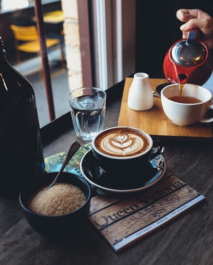 Ah Melbourne, ground zero for the global speciality coffee movement. What's your favorite coffee shop in Melbourne? Is it this one shot by @kneeko0