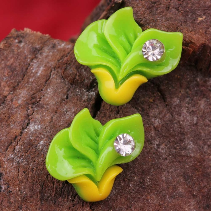 Duo Hued Colorful Flower Earrings are very modish and uniquely designed. The duo color of the flower is its USP. So, what else can you ask for???? Grab them now or you will regret it later!!!!      Fashion Statement      These earrings are trendy so, try them out with jeans and other trendy outfits.
