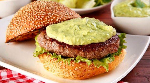 Como fazer a maionese verde deliciosa das hamburguerias: confira a receita - Bolsa de Mulher
