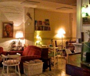 Café de la Luz en Calle Puebla 8, esquina con calle Barco, Madrid.