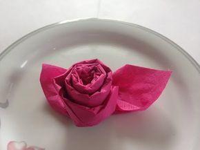 Servietten falten einfach: 'Edle Rose' für Hochzeit + Geburtstag - YouTube