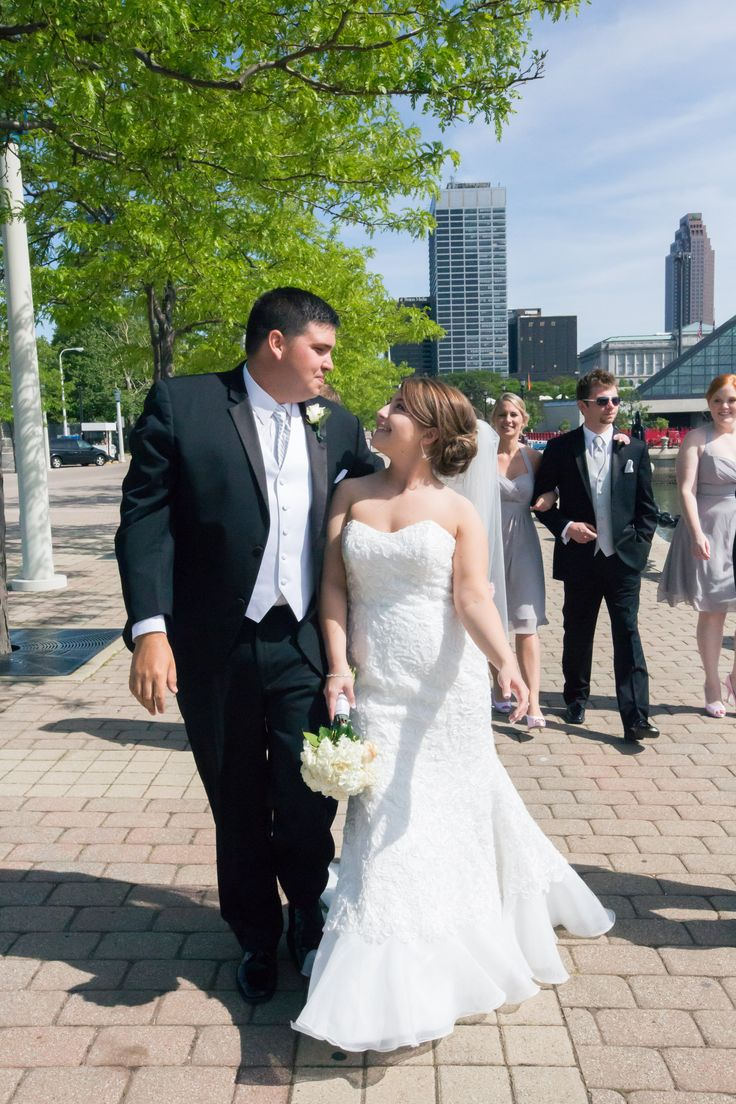 wedding picture locations akron ohio%0A Downtown Cleveland  Ohio Bridal Party Wedding Photography pink and grey  wedding Voinovich Park