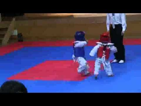 Best Baby Tae Kwon Do fight ever :: these are the most adorable effin fighters i have ever laid eyes on! xD
