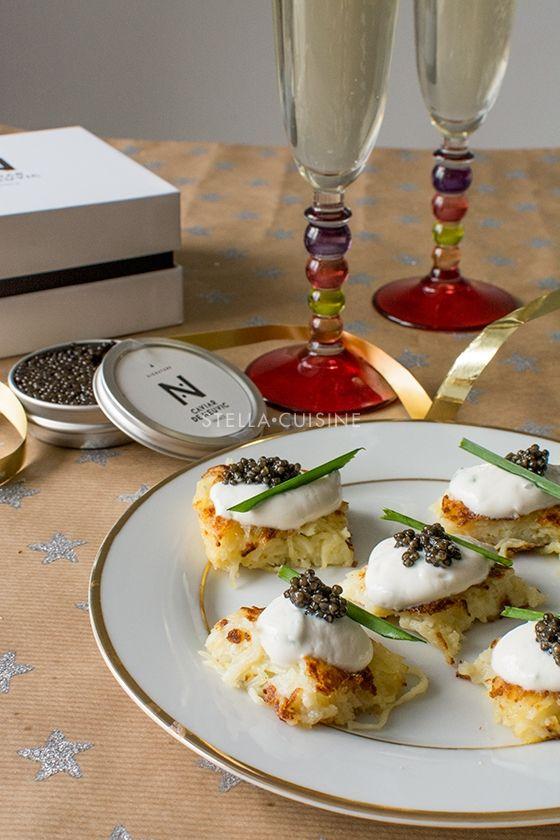 Toasts de galette de pommes de terre (rostis), crème aigre et caviar