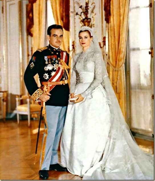 Actress Grace Kelly married Prince Rainier III of Monaco in two separate ceremonies,   a civil ceremony on April 18 and in a Catholic Mass on April 19.: Gracekelli, Wedding Dressses, Princesses Grace, Grace Kelly Wedding, Wedding Dresses, Gowns, Monaco, Prince Rainier, Royals Wedding