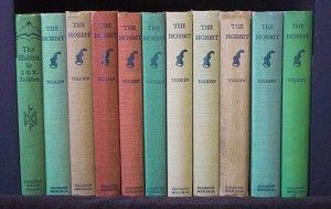 Dokonce i knihy Tolkien dostal negativní recenze knih, a přesto jsou některé z nejvíce čtení knih v anglickém jazyce.