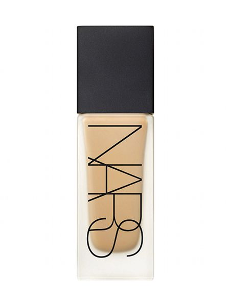 NARS All Day Luminous Weightless Foundation. A few great comments from people online suggesting this foundation