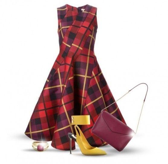 Tartan red e yellow shoes - Vi piace il tartan? A noi moltissimo e ve lo proponiamo in questo nostro look autunnale. Come potete vedere, è molto semplice perché composto da pochissimi pezzi, un abito e qualche accessorio e il gioco è fatto. In caso di giacca vi consigliamo un modello in pelle o anche un cappottino di panno di media lunghezza. Intanto il nostro look è così composto: vestito di Parosh, borsa di Salvatore Ferragamo, anello di Tiffany e scarpe gialle di Alexander McQueen.