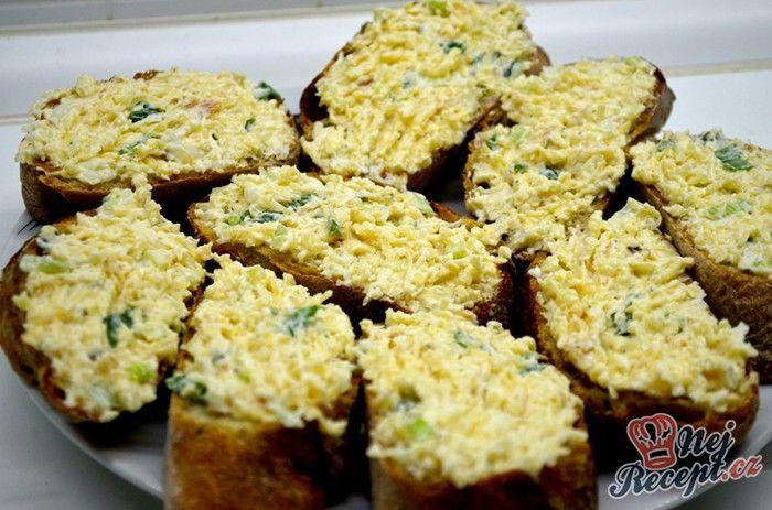 Pomazánka z uzeného sýra s jarní cibulkou. Autor: Lacusin