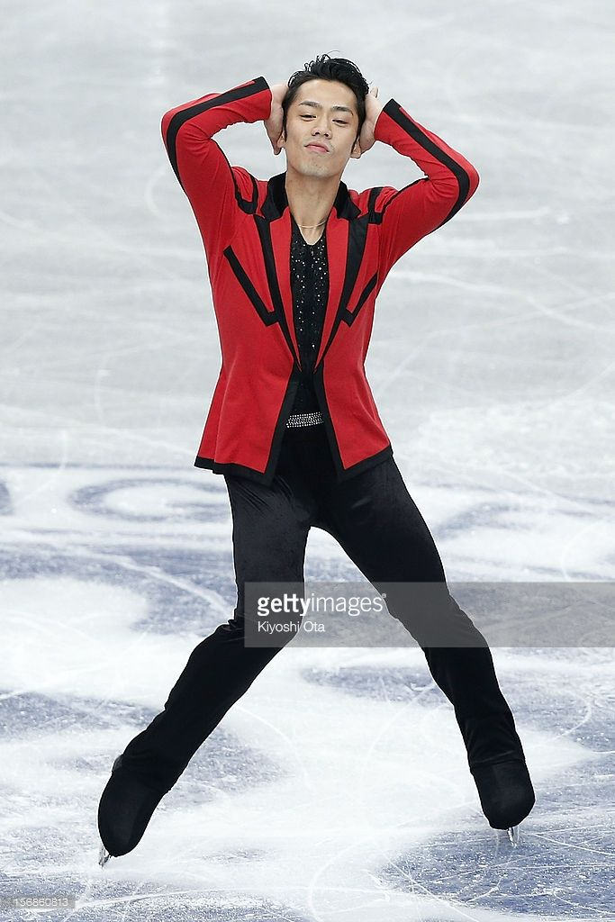 News Photo : Daisuke Takahashi of Japan competes in the Men...