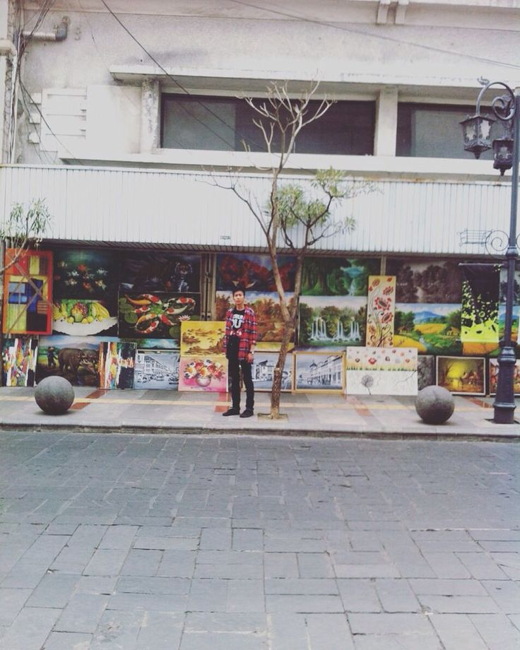 Street Art Jl. Braga Bandung Indonesia