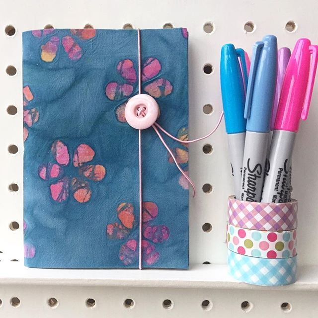 Just a little reminder that we are giving away a little, handmade and hand sewn notebook, here and on our latest blog post. Just like, tag a friend and tell us..... blue or pink? Closes this Thursday. Jenny xxx