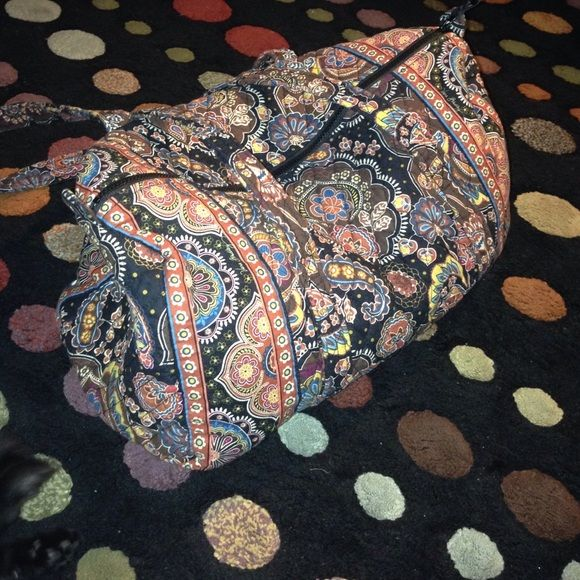 """Small Vera Bradley Duffel Bag Like new Vera Bradley duffel. It's a size small in the pattern """"Kensington"""". No rips,stains,fading,or flaws of any sort. Great for traveling!! Vera Bradley Bags Travel Bags"""
