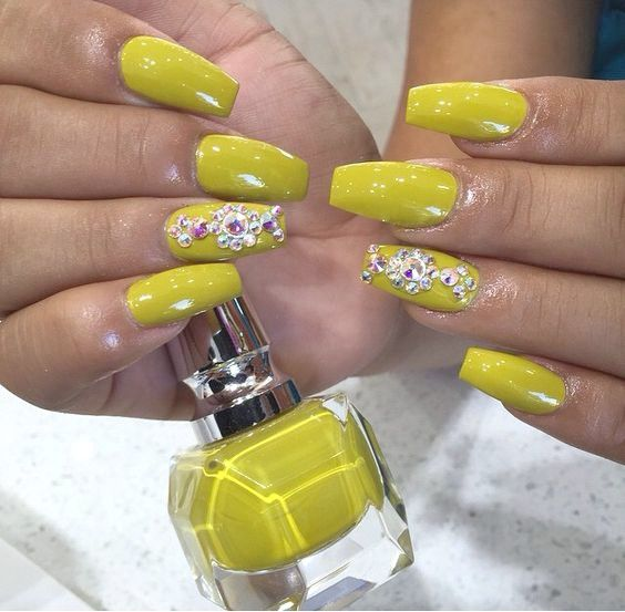 21 beautiful ways to have mustard nails