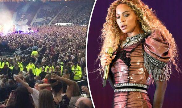 Beyonce Glasgow concert violent US police shooting victims human barrier Dallas