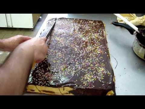 Ricetta Dolci Rotolo Crema Chantilly e Fragola - Video Preparazione - YouTube
